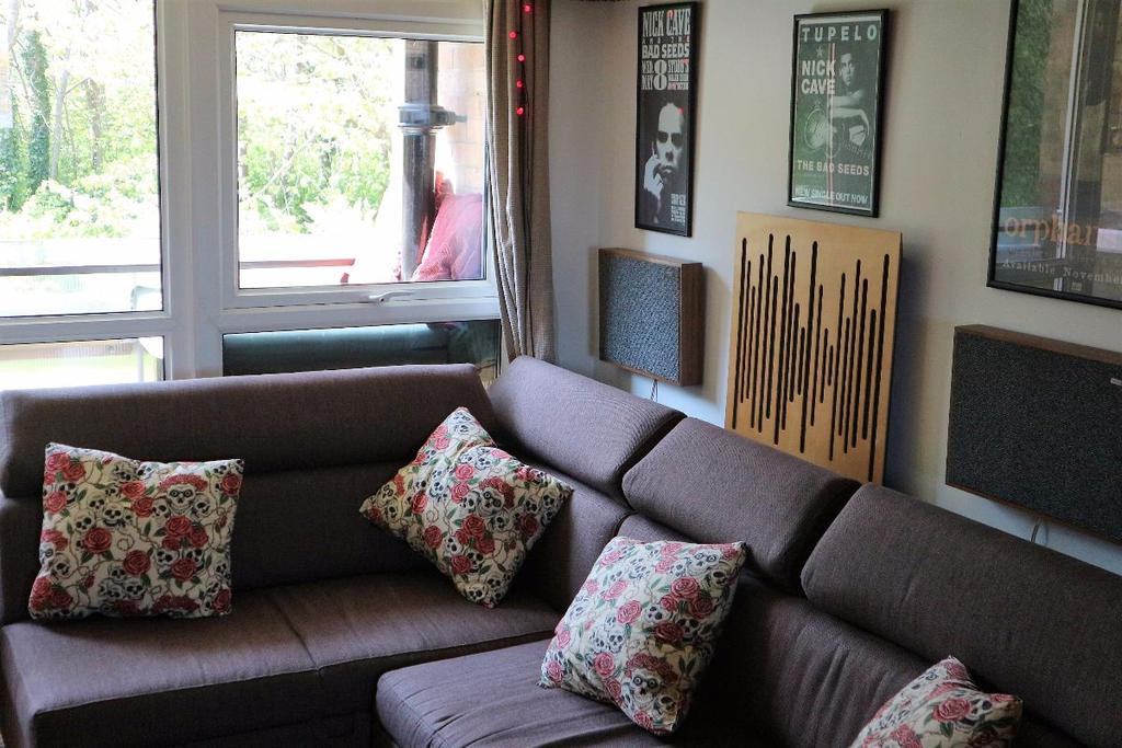 1 Bedroom Flat for sale in Lanark Court