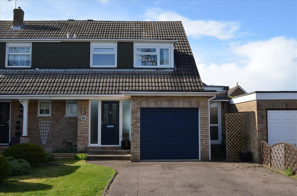 4 Bedrooms Detached House for sale in Cherry Drive, ROYSTON, SG8