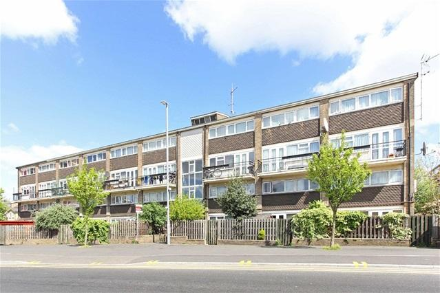 3 Bedrooms Maisonette Flat for sale in Hammond Court, Leyton