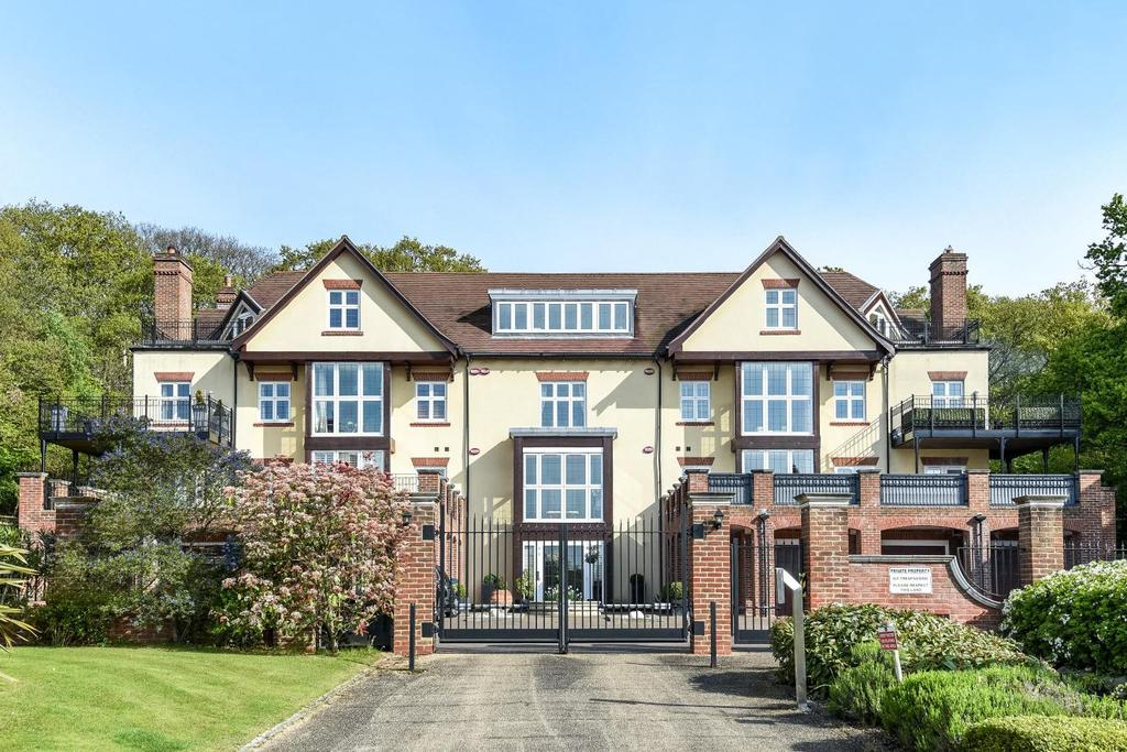 3 Bedrooms Flat for sale in Duggan Drive, Chislehurst, BR7