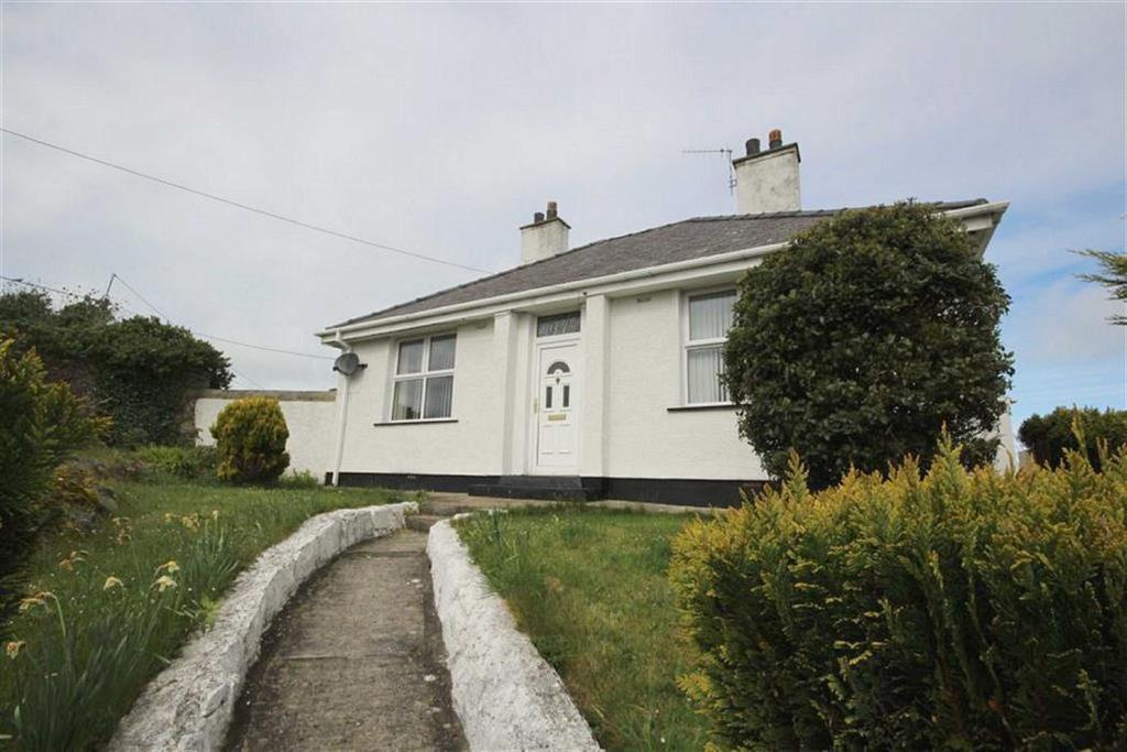 2 Bedrooms Detached Bungalow for sale in Brickfield Street, Amlwch Port, Anglesey, LL68