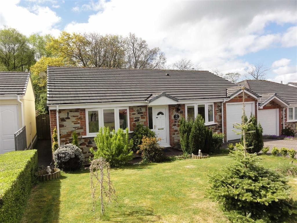 3 Bedrooms Bungalow for sale in Stags Wood Drive, Halwill Junction, Beaworthy, Devon, EX21