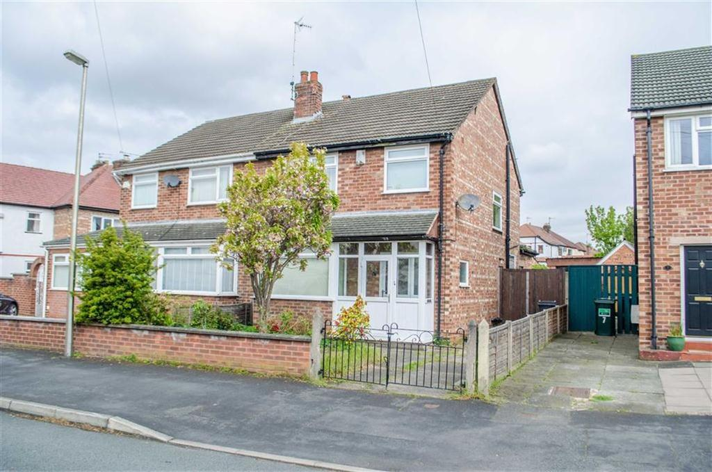 3 Bedrooms Semi Detached House for sale in Stocks Avenue, Boughton, Chester, Chester
