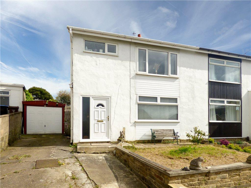 3 Bedrooms Semi Detached House for sale in Sleningford Rise, Crossflatts, Bingley, West Yorkshire
