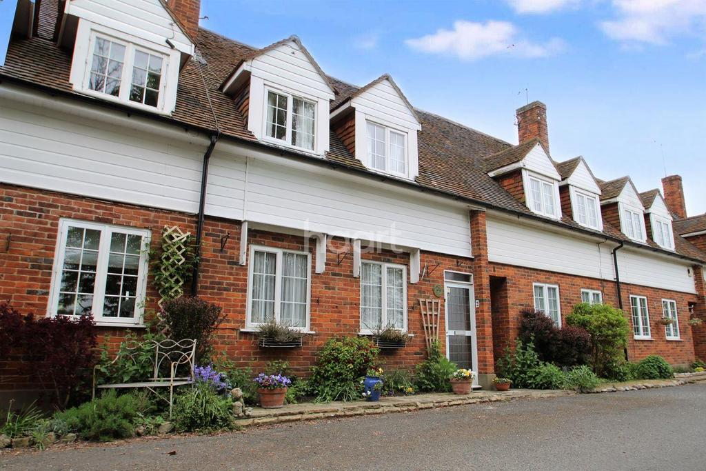 2 Bedrooms Cottage House for sale in Church End, Pagelsham
