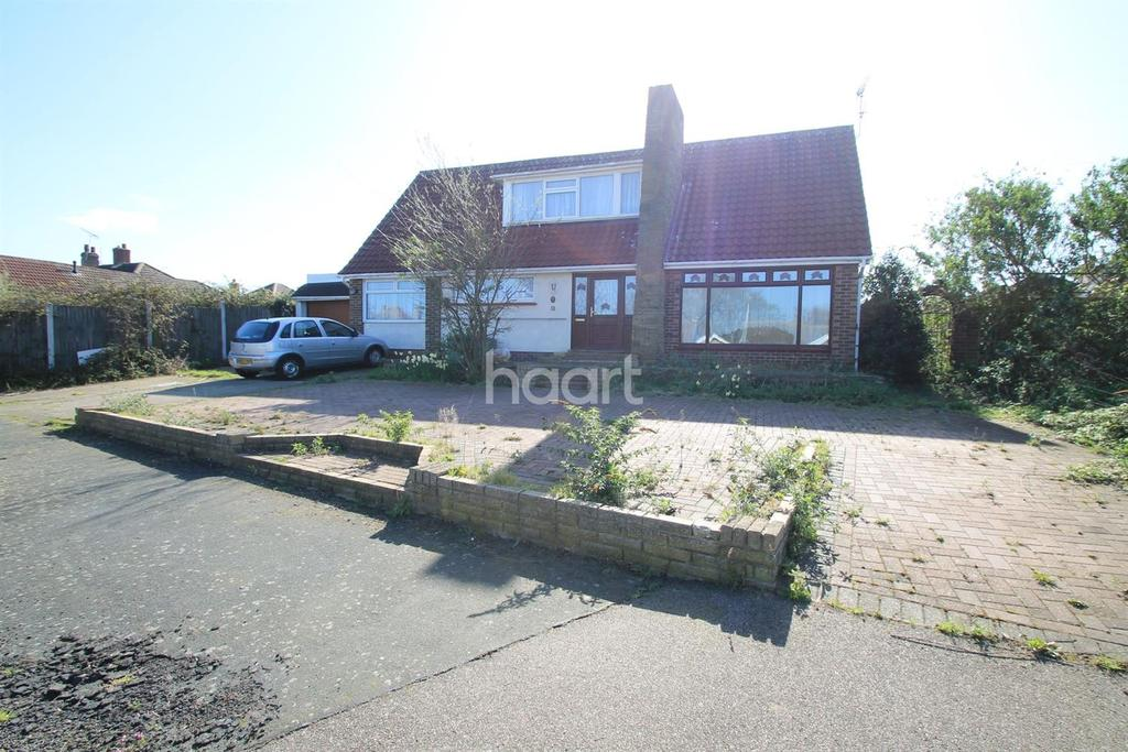 4 Bedrooms Detached House for sale in Great Clacton