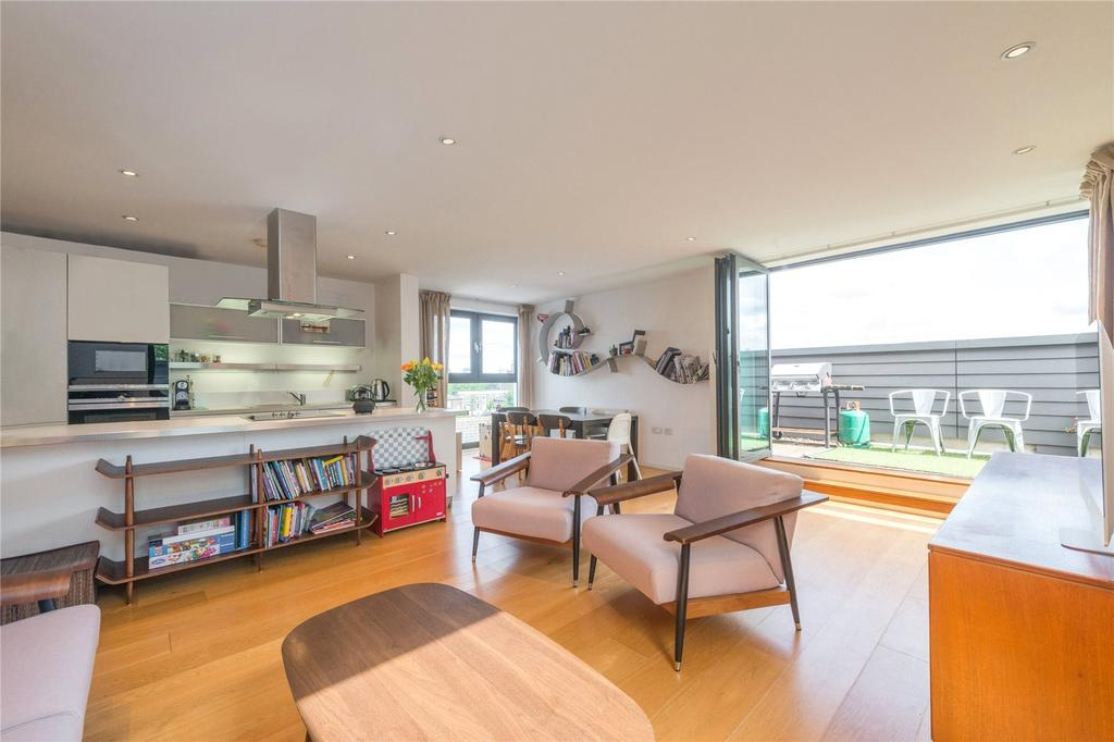 2 Bedrooms Flat for sale in Ecclesbourne Road, Islington, London