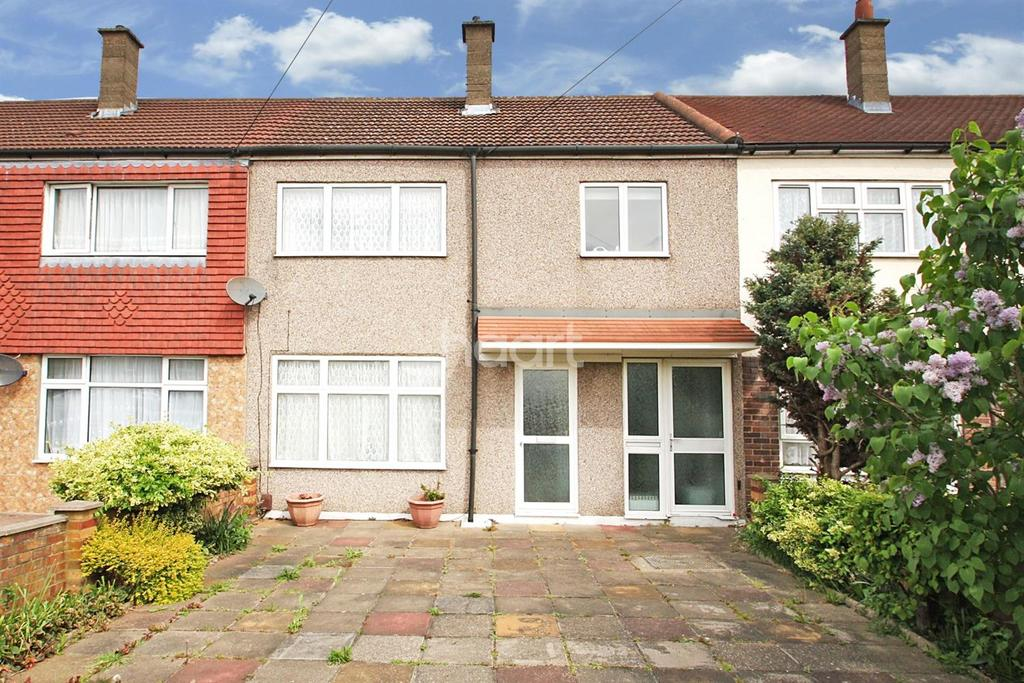 3 Bedrooms Terraced House for sale in Maybury Road, Barking