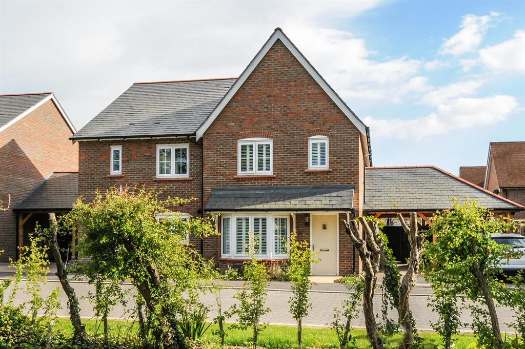 3 Bedrooms Semi Detached House for sale in Fieldfare Lane, Barnham