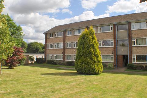 2 bedroom flat to rent - Hughenden Road, St Albans