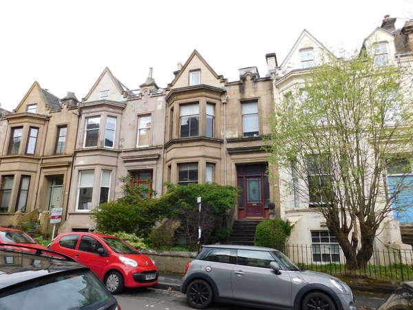 2 Bedrooms Flat for sale in 26B Cecil Street, Hillhead, Glasgow, G12 8RH