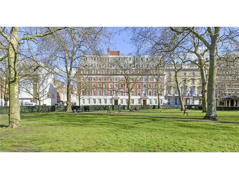 6 Bedrooms Flat for sale in Grosvenor Square, Mayfair, London, W1K