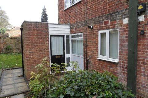 Studio to rent - CLIFF COURT, CLIFF ROAD, HYDE PARK, LEEDS, LS6 2ET