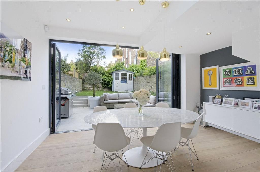 3 Bedrooms Terraced House for sale in Arlington Square, Islington, London, N1
