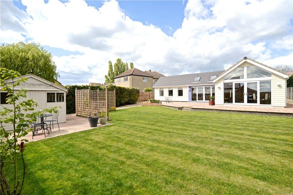 4 Bedrooms Detached Bungalow for sale in Bedford Road, Cranfield, Bedfordshire