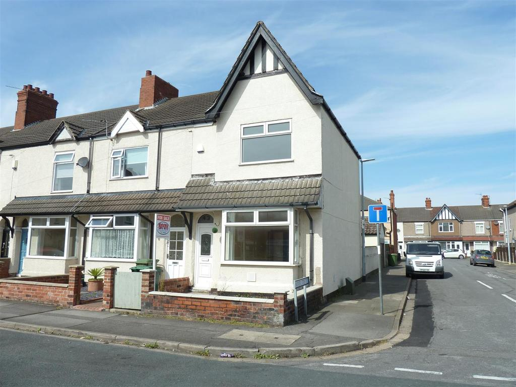 4 Bedrooms End Of Terrace House for sale in Suggitts Lane, Cleethorpes, DN35 7JG
