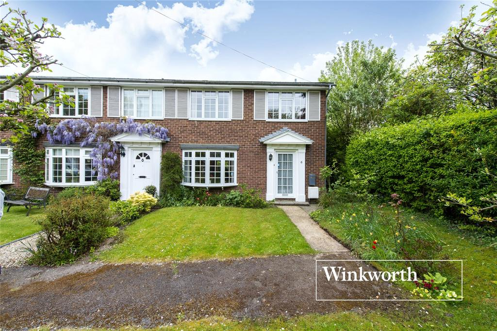4 Bedrooms End Of Terrace House for sale in Elizabeth Close, Barnet, Herts, EN5