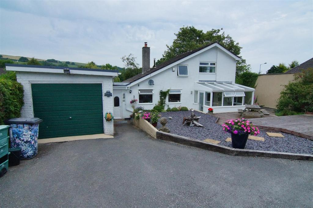 4 Bedrooms Detached House for sale in Llwyn Y Gibwst, Llansannan