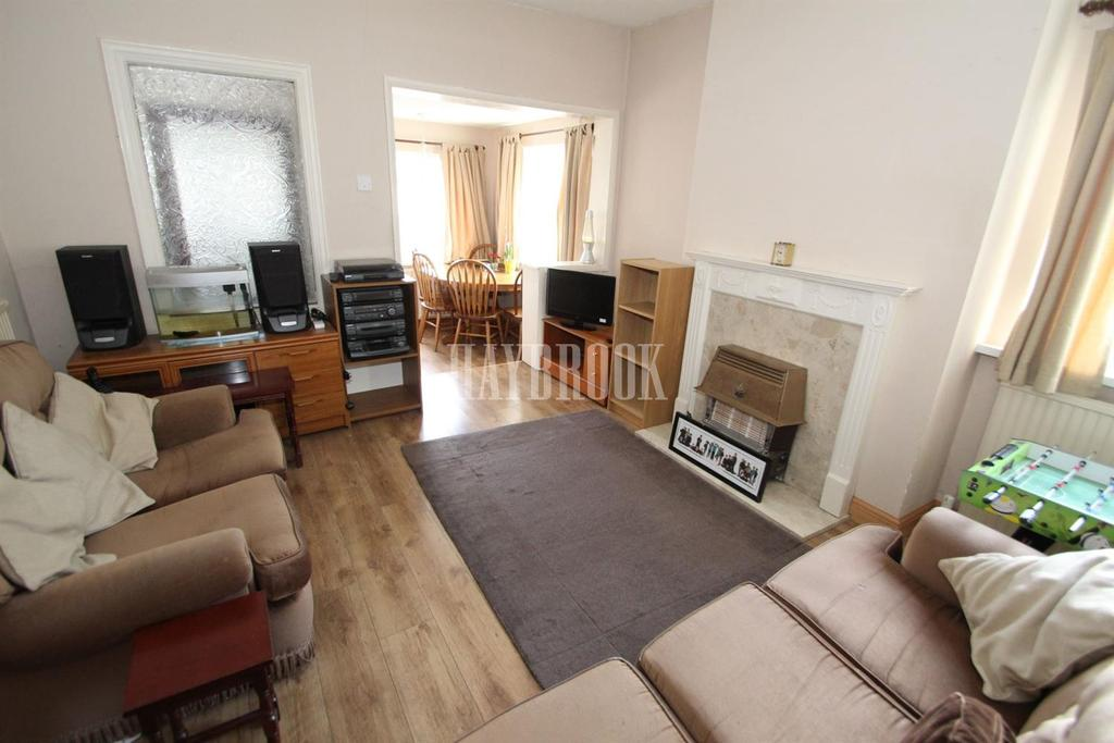 3 Bedrooms End Of Terrace House for sale in Whinmoor Road, Wincobank