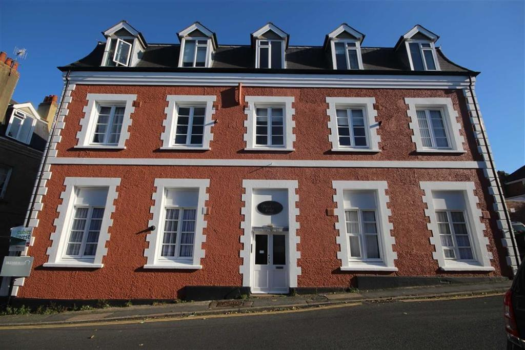 3 Bedrooms Flat for sale in Church Hill Lodge, Church Hill, Newhaven