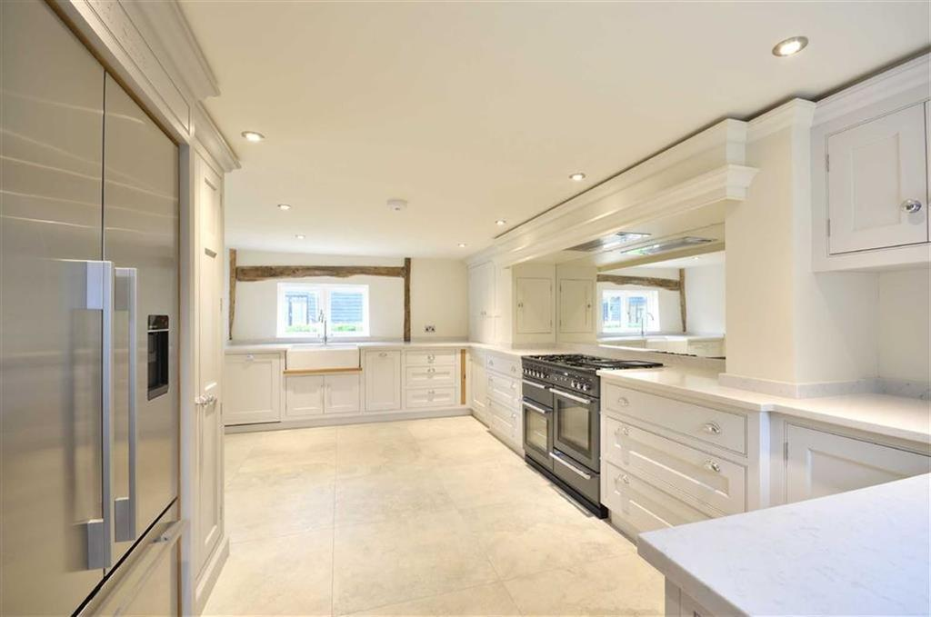 4 Bedrooms Terraced House for sale in The Barns, Chorleywood, Buckinghamshire