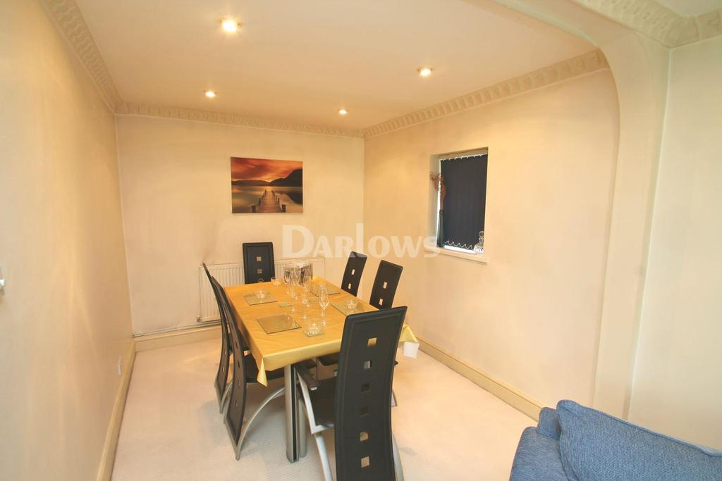 4 Bedrooms Semi Detached House for sale in Chapel Row, Old St Mellons, Cardiff