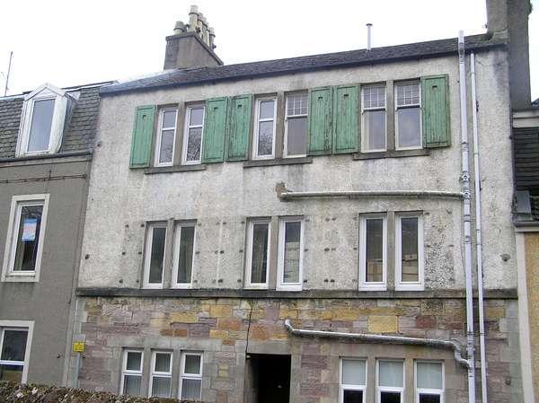 1 Bedroom Flat for sale in 16 (Top), George Street, Millport, KA28 0BE