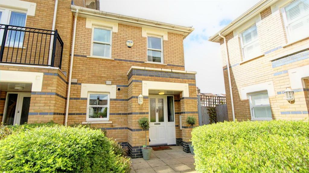 2 Bedrooms End Of Terrace House for sale in Drake Mews, Bromley, Kent
