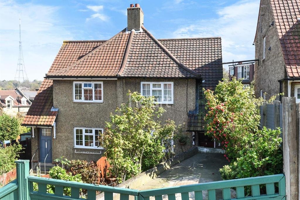 3 Bedrooms Semi Detached House for sale in Durning Road, Upper Norwood SE19
