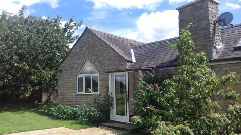 4 Bedrooms Barn Conversion Character Property for sale in Bulwick, PE8