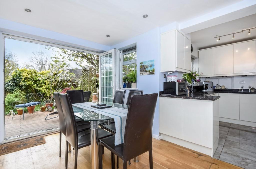 4 Bedrooms Detached House for sale in Whittingehame Gardens Brighton East Sussex BN1