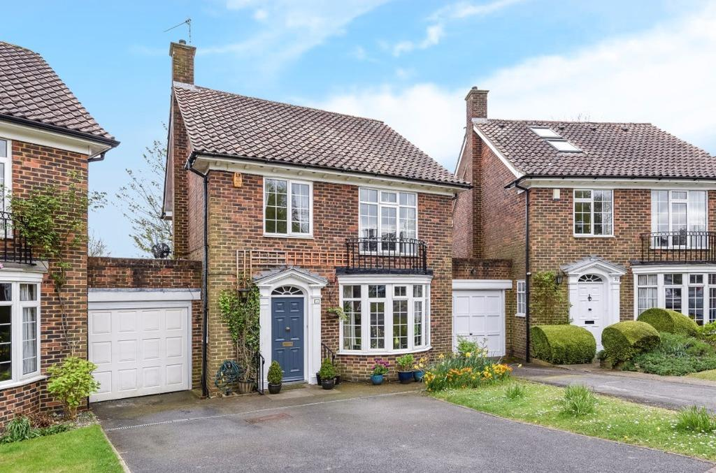 4 Bedrooms Link Detached House for sale in Whittingehame Gardens Brighton East Sussex BN1