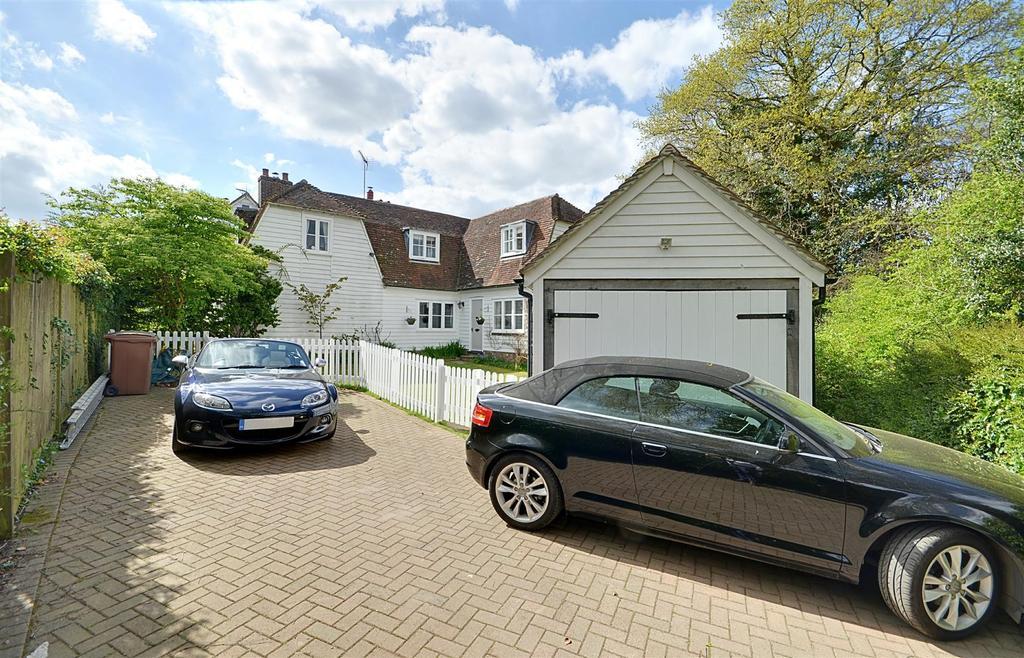 3 Bedrooms Semi Detached House for sale in Iden Green Road, Iden Green, Cranbrook