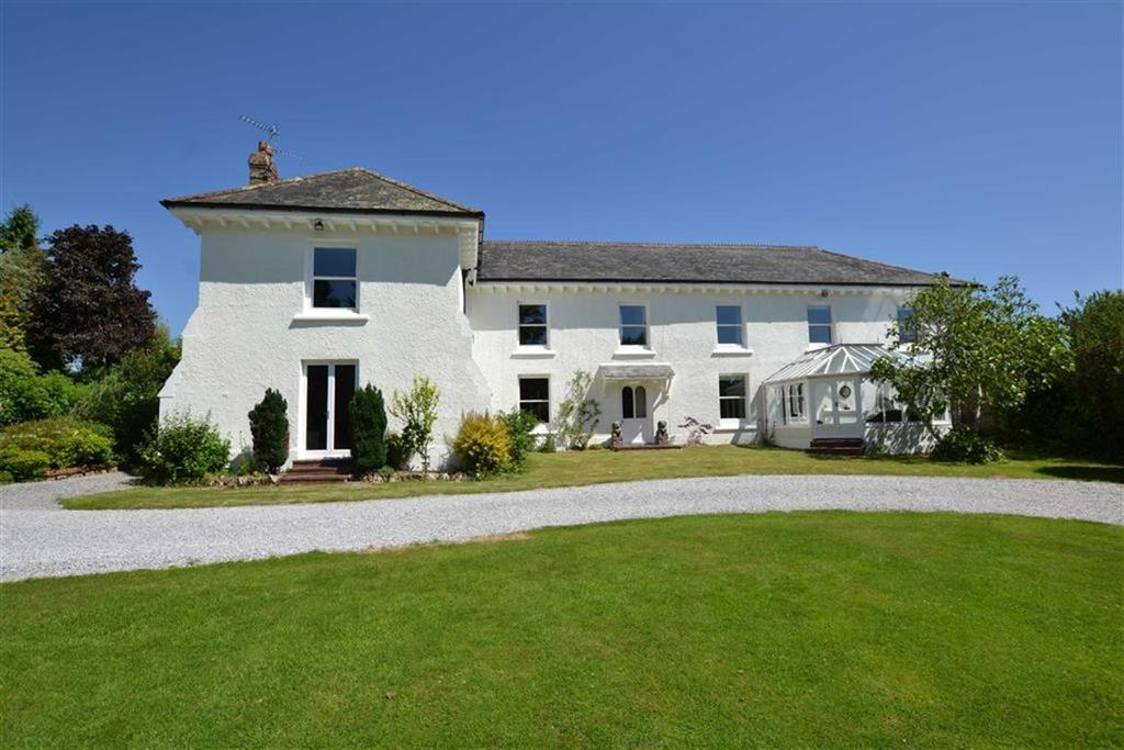 6 Bedrooms Detached House for sale in Thurloxton, Taunton, Somerset, TA2