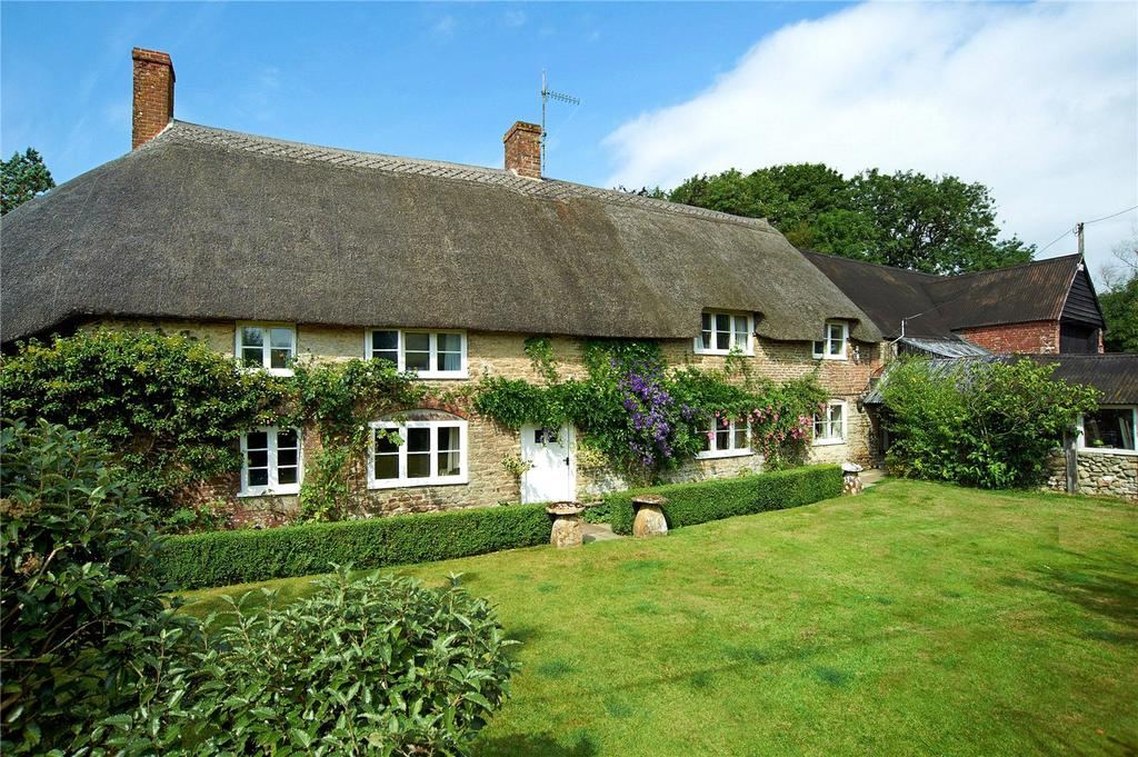 4 Bedrooms Detached House for sale in Henley, Dorchester, Dorset