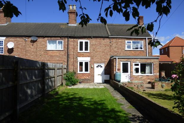 3 Bedrooms Terraced House for sale in Charles Street, Louth, LN11