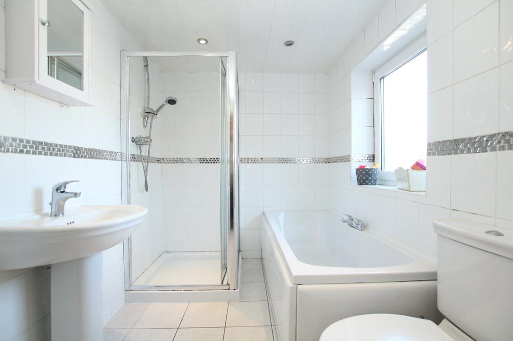 2 Bedrooms Terraced House for sale in Queen Street, Dalton-In-Furness