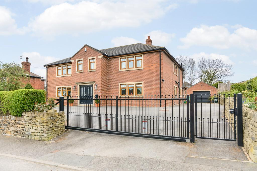 5 Bedrooms Detached House for sale in Moor End Lane, Silkstone Common, S75