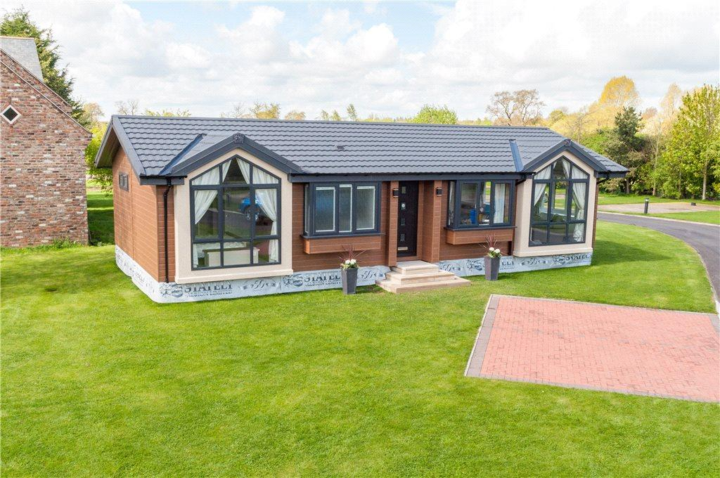 2 Bedrooms Detached Bungalow for sale in Thornborough Grange Park, Stockton Road, South Kilvington, Thirsk