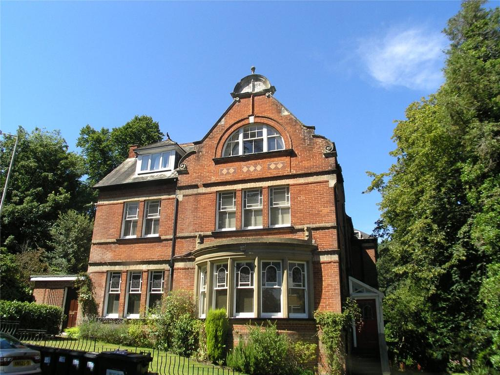 2 Bedrooms Flat for sale in Denbeigh Lodge, 64 Surrey Road, Bournemouth, Dorset, BH4