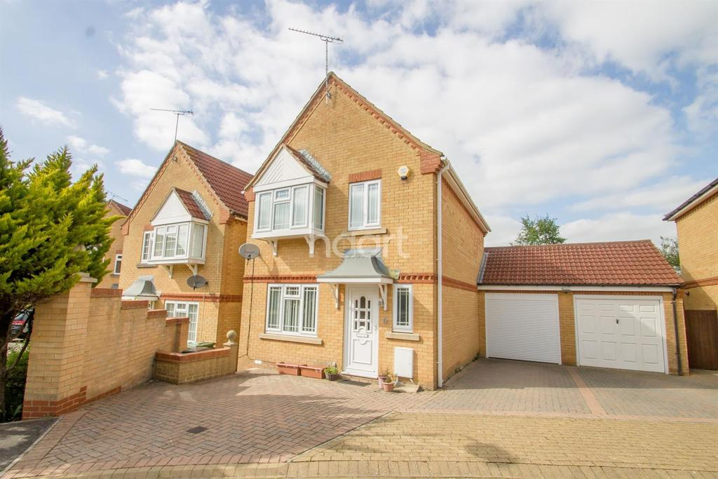 4 Bedrooms Detached House for sale in Packington Close, Swindon, Wiltshire