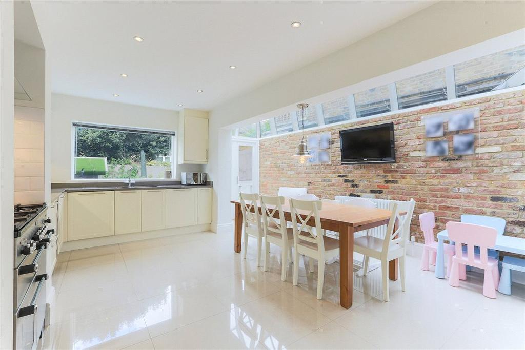 4 Bedrooms Terraced House for sale in Lindore Road, Wandsworth, London, SW11