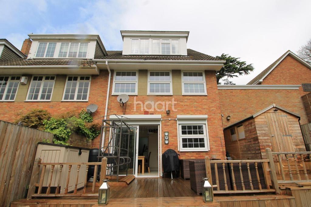 3 Bedrooms End Of Terrace House for sale in Thistlemead, Chislehurst