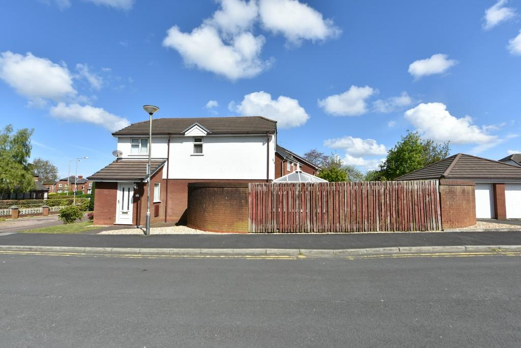 4 Bedrooms Detached House for sale in Hall Brow Close, Ormskirk