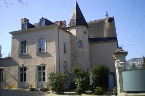 5 bedroom townhouse  - Manor In Laval, Mayenne, Loire