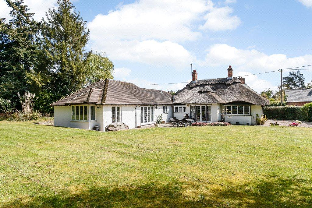 4 Bedrooms Detached House for sale in Silchester, Reading, Hampshire, RG7