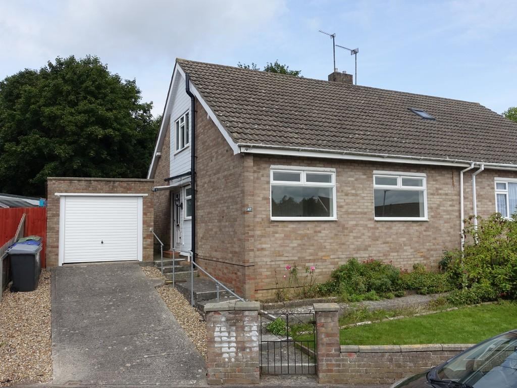 3 Bedrooms Semi Detached Bungalow for sale in Trowbridge, Wiltshire