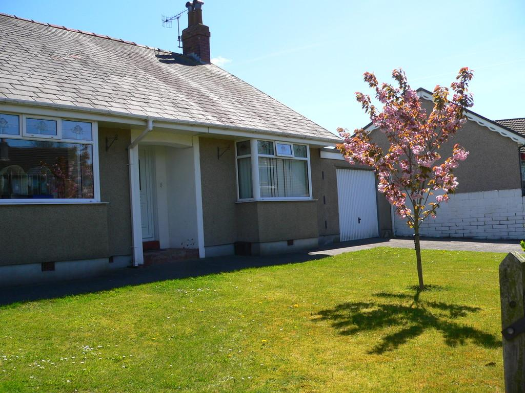 3 Bedrooms Detached Bungalow for sale in Duke Street, Askam-in-Furness