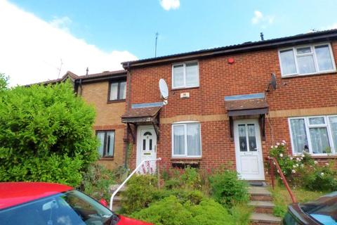 2 bedroom terraced house to rent - Gilderdale, Luton, Bedfordshire, LU4 9NA