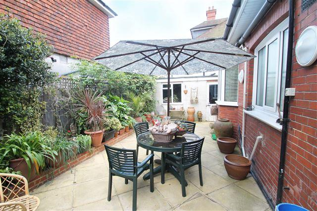 3 Bedrooms Flat for sale in Dyke Road, Brighton